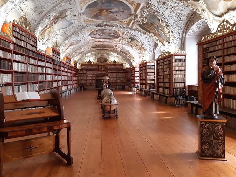 STRAHOVSKÝ KLÁŠTER s individuální prohlídkou knihoven